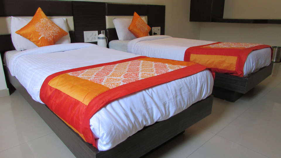 Hotel Skyland, Ahmedabad Ahmedabad Super Deluxe Room 3