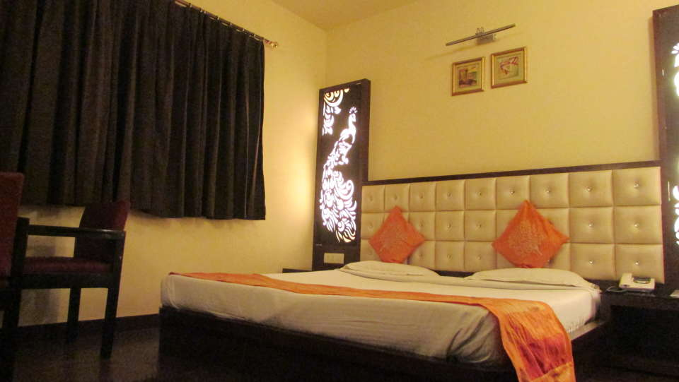 Hotel Square 9 Inn, Gurgaon  Super Deluxe rooms - hotel square 9 inn 4