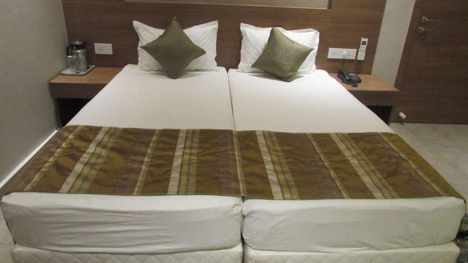 Hotel Swagath, Hazra Road, Kolkata Kolkata Deluxe AC 2 Bed Room Hotel Swagath Kolkata 2