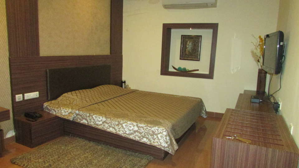 Hotel Swagath, Hazra Road, Kolkata Kolkata Executive AC Room Hotel Swagath Kolkata 1