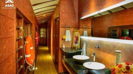 4, Houseboats in Alleppey, luxury houseboats in Alleppey, premium houseboats in Alleppey, backwater cruise in Kerala, luxury houseboats in Kumarakom, houseboat cruise in Kumarakom, best houseboats in Kerala