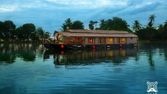 1, Houseboats in Alleppey, luxury houseboats in Alleppey, premium houseboats in Alleppey, backwater cruise in Kerala, luxury houseboats in Kumarakom, houseboat cruise in Kumarakom, best houseboats in Kerala
