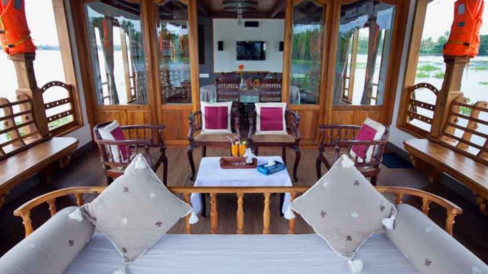 8, Houseboats in Alleppey, luxury houseboats in Alleppey, premium houseboats in Alleppey, backwater cruise in Kerala, luxury houseboats in Kumarakom, houseboat cruise in Kumarakom, best houseboats in Kerala