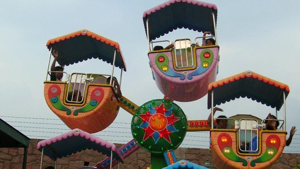 Kids Rides - Kiddies Wheel at  Wonderla Amusement Park Bangalore