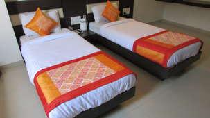 Hotel Skyland, Ahmedabad Ahmedabad Super Deluxe Room 2
