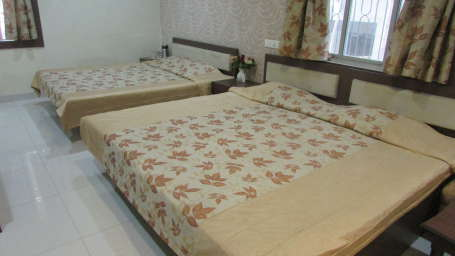 Hotel Swagath, Hazra Road, Kolkata Kolkata Deluxe AC 4 Bed Room Hotel Swagath Kolkata 2