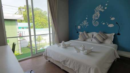 Deluxe Double Bed Full Sea View Accommodation in Krabi hotels in Phi Phi Island 3