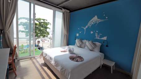 Deluxe Double Bed Full Sea View Accommodation in Krabi hotels in Phi Phi Island 8