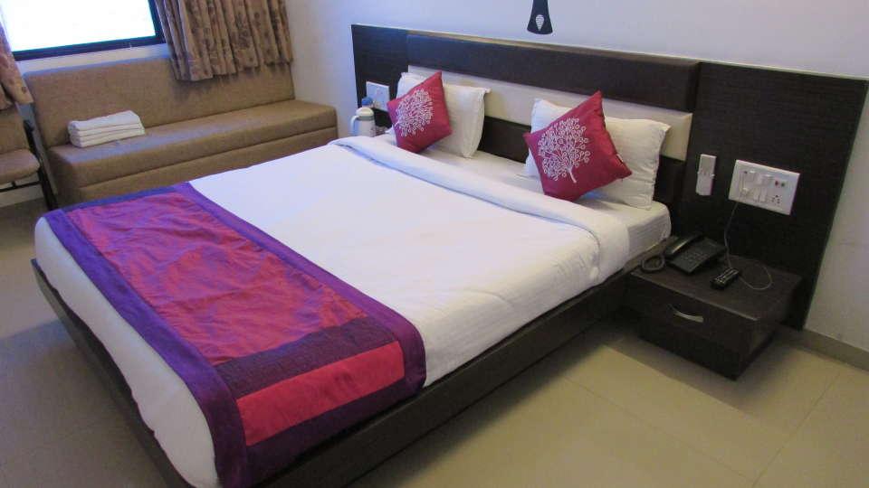 Hotel Skyland, Ahmedabad Ahmedabad Deluxe Room 1