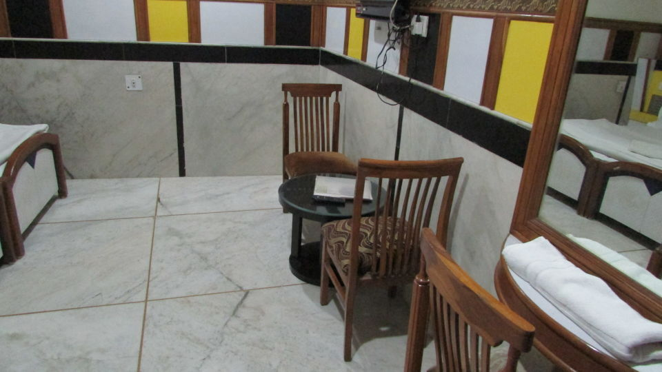 Ajay Guest House, Delhi New Delhi Deluxe Room 2 Ajay Guest House Delhi