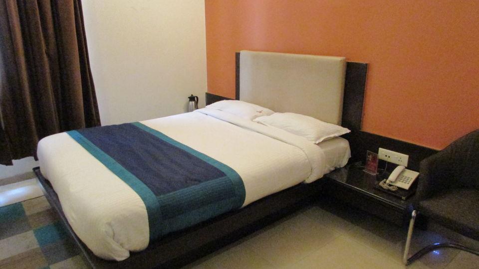 Hotel Basera, Pune Pune Hotel Basera Pune Deluxe Ac rooms