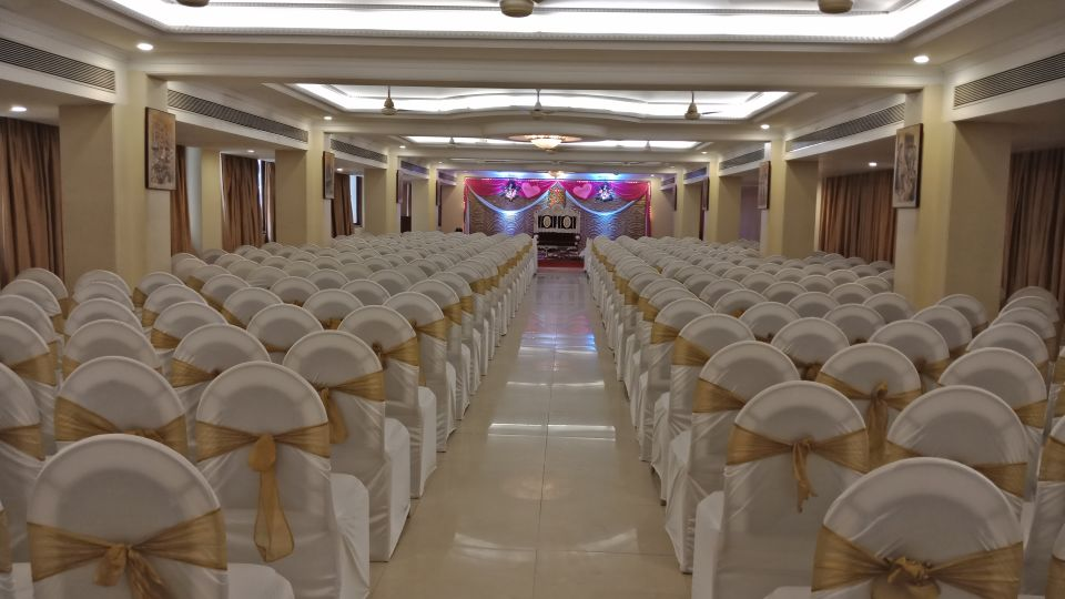 Banquet Hall at Kohinoor Lodge - Dadar Mumbai 18