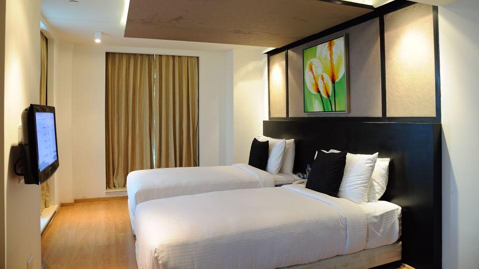 Deluxe Rooms at Davanam Sarovar Portico Bangalore, Hosur Hotels in Bangalore