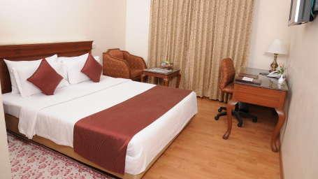 Raj Park Hotel - Chennai Chennai Deluxe Room Raj Park Hotel Alwarpet Chennai 5