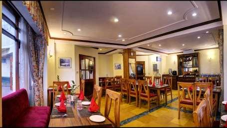 restaurant at Summit Le Royale Hotel Shimla 1