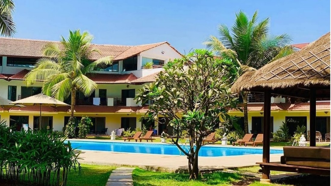 Lush Green Lawns, Luxury Resort in Alibaug, Rooms in Alibaug, Suites in Alibaug, Villas in Alibaug