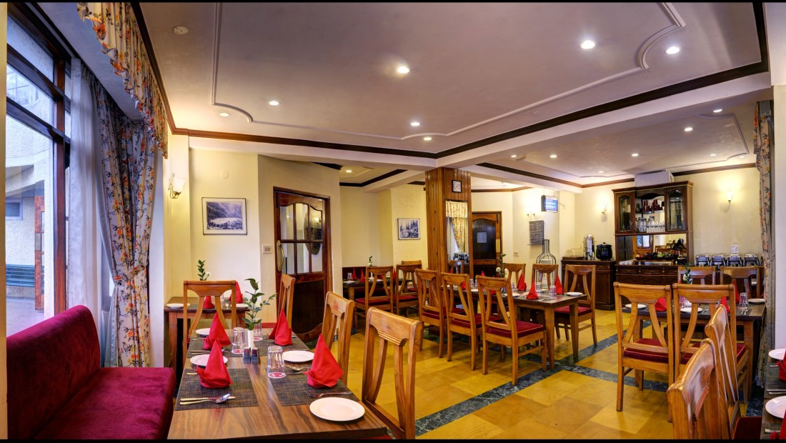 restaurant at Summit Le Royale Hotel Shimla 1