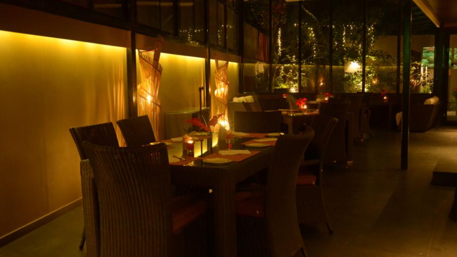 Jal Restaurant Hotel Z Luxury Residences Juhu Mumbai 1 dmjcyc