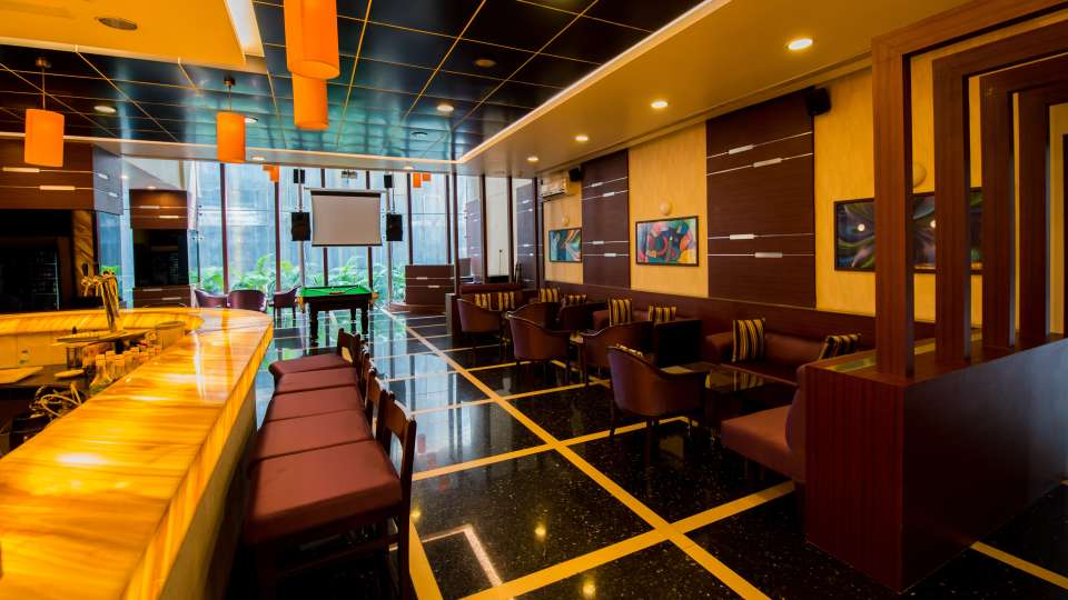 Bar In Pune,  The Orchid Hotel, Best Pune Hotels 14