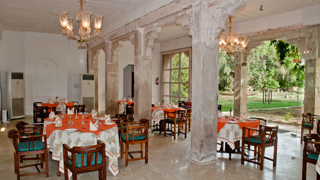 Deo Bagh - 17th C, Gwalior Gwalior The Zenana dining hall overlooking the gardens Deo Bagh Gwalior