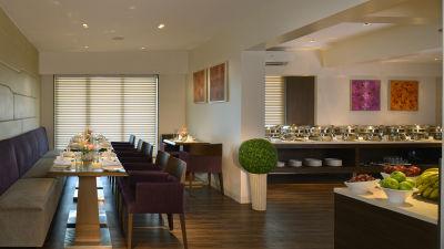 Tea Lounge at Residency Sarovar Portico Mumbai 4