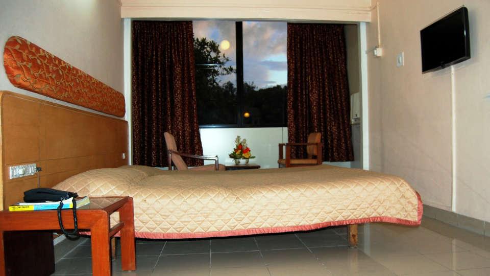 Hotel Raviraj, Pune Pune deluxe double rooms hotel raviraj pune