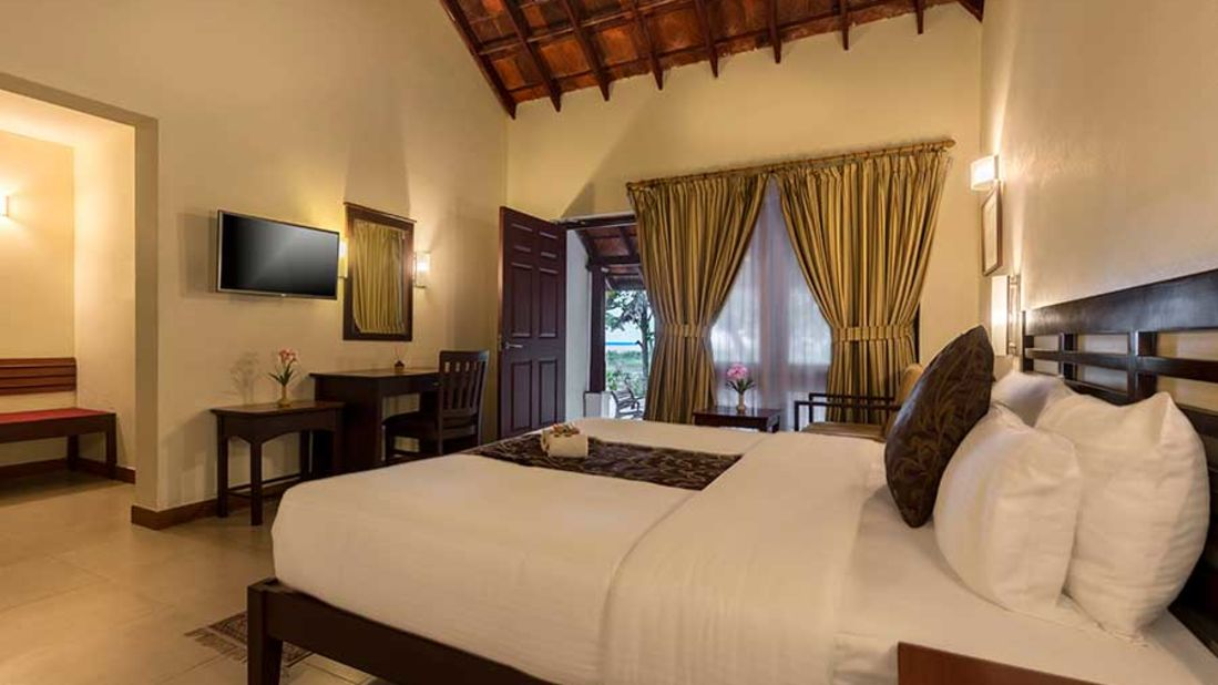abad-turtle-resort-main-bed-room, Contact Beach Resort in Marari, Beach resorts in Allepey, 4 Star Resorts in Alleppey, Best Beach Resorts in Alleppey, Best Beach Resorts Near Cochin, Beach Resorts in Kerala