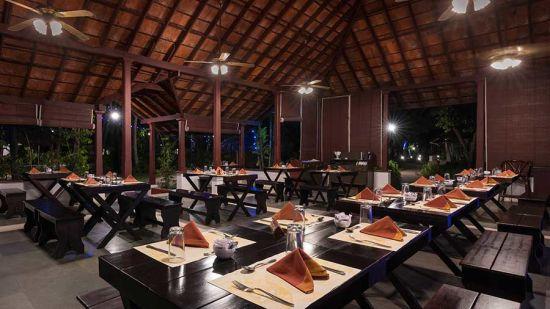 abad-turtle-resort-restaurant-night-view, Contact Beach Resort in Marari, Beach resorts in Allepey, 4 Star Resorts in Alleppey, Best Beach Resorts in Alleppey, Best Beach Resorts Near Cochin, Beach Resorts in Kerala