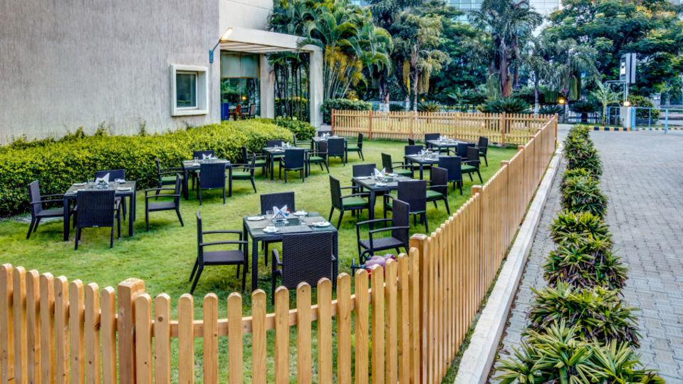 outdoor-restaurant2