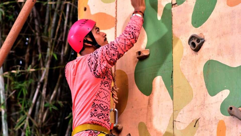 Artificial Wall Climbing - Durshet 1