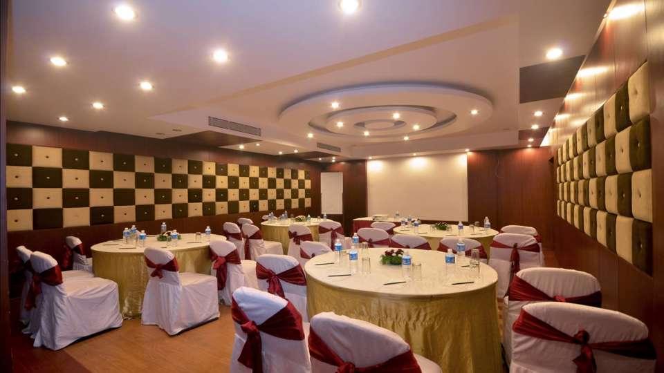 Hotel Paraag, Rajbhavan Road, Bangalore Bengaluru Oakroom Cluster Style Hotel Paraag Rajbhavan Road Bangalore