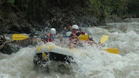 river rafting in rishikesh