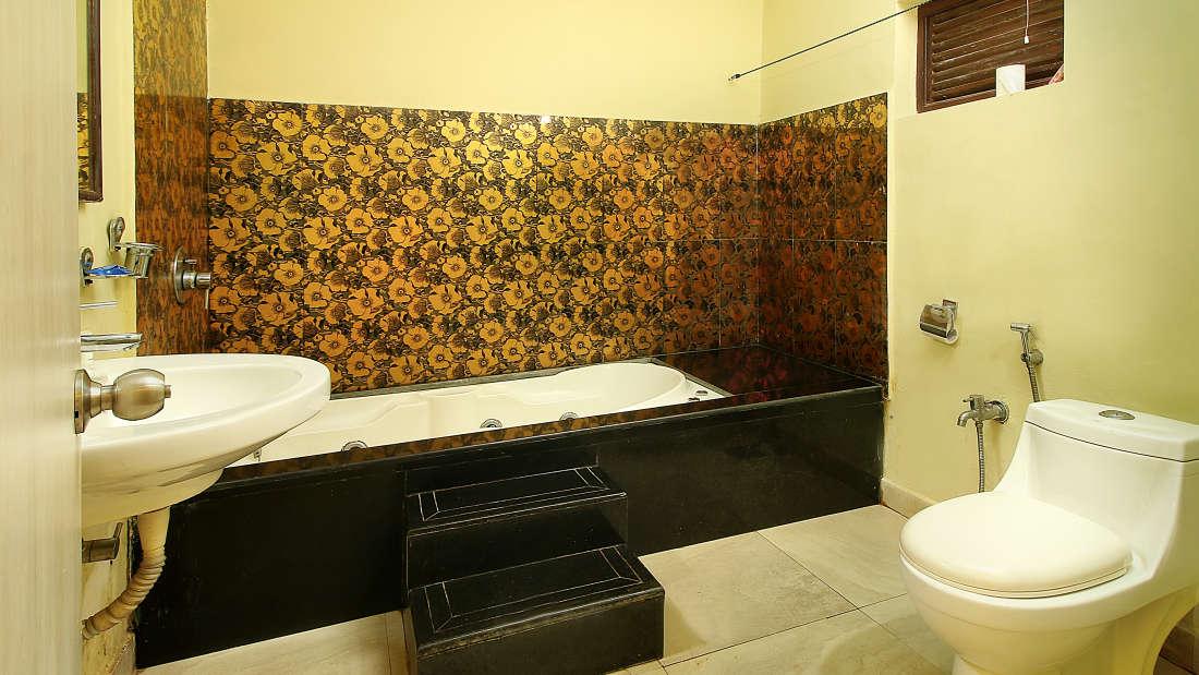 Standard Grande bathroom