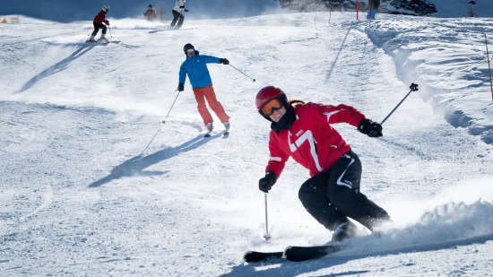 Skiing at LaRiSa Mountain Resort Manali - 5 Star Hotel in Manali