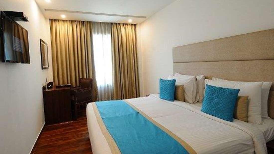 Deluxe room 1 Hotel Ascent Biz Noida