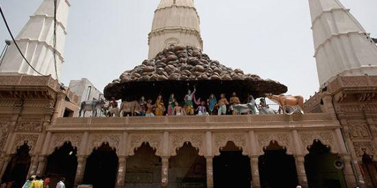 daan-ghati-mandir-govardhan