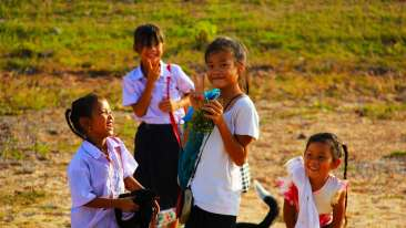 Pakse Hotel & Restaurant, Champasak Pakse school-kids-972558 960 720