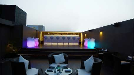 SKKY 63 - Bar and Lounge Park Plaza Jodhpur 1