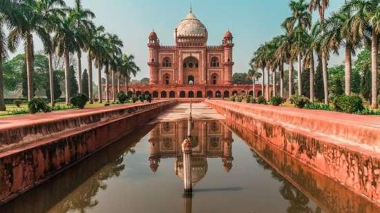 Humayun Tomb Park Plaza East Delhi