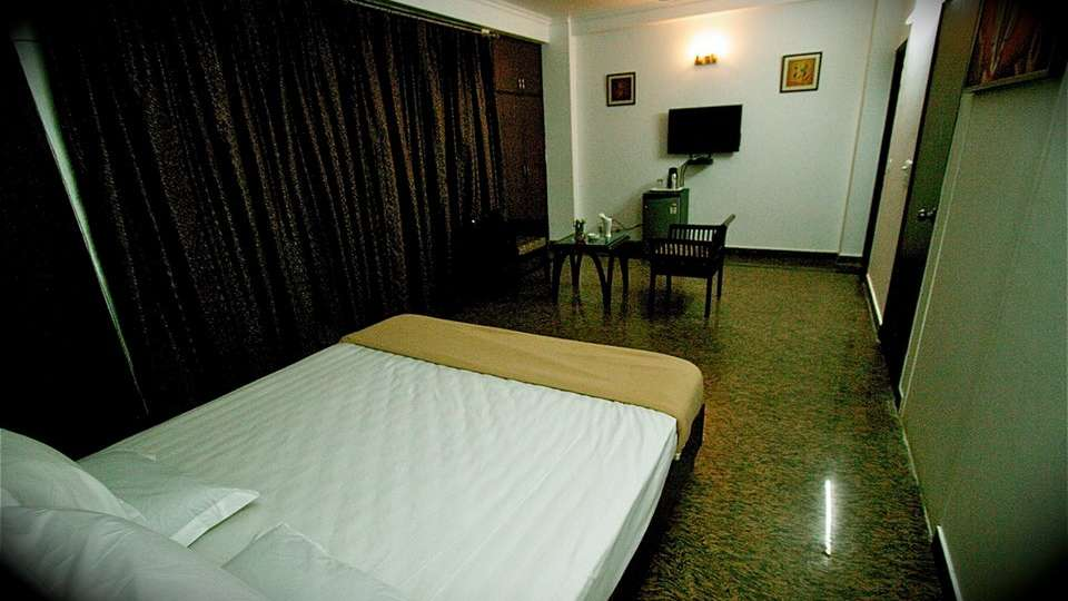Hotel V M Residency, Vasant Kunj, Delhi New Delhi And NCR Super Deluxe Room Hotel VM Residency Delhi 3