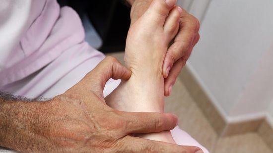 foot-reflexology-3781151 960 720