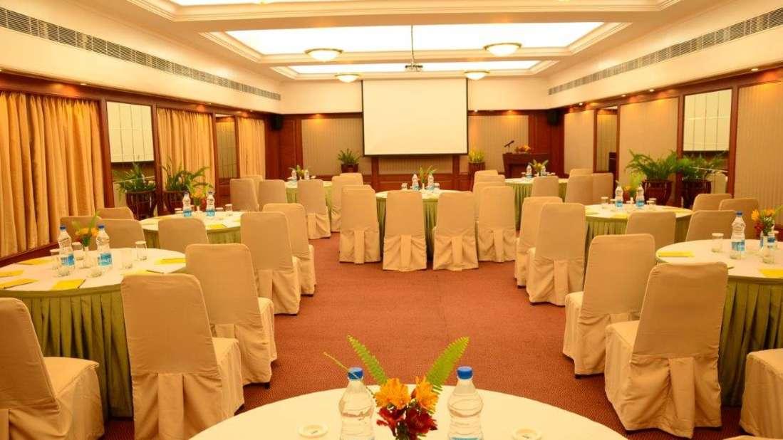 Cumberland Hall at The Carlton Hotel, Hotels in Kodaikanal