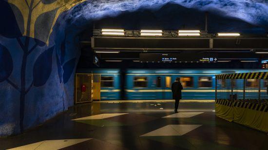 metro-4501839 1920