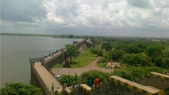 Aji Dam tourist attractions near Marasa Sarovar Portico, Rajkot
