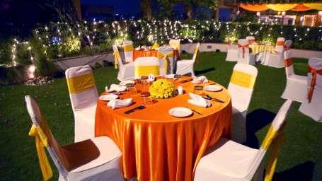 Pool Side, The Bristol Hotel Gurgaon, Banquet Hall In Gurgaon 5216
