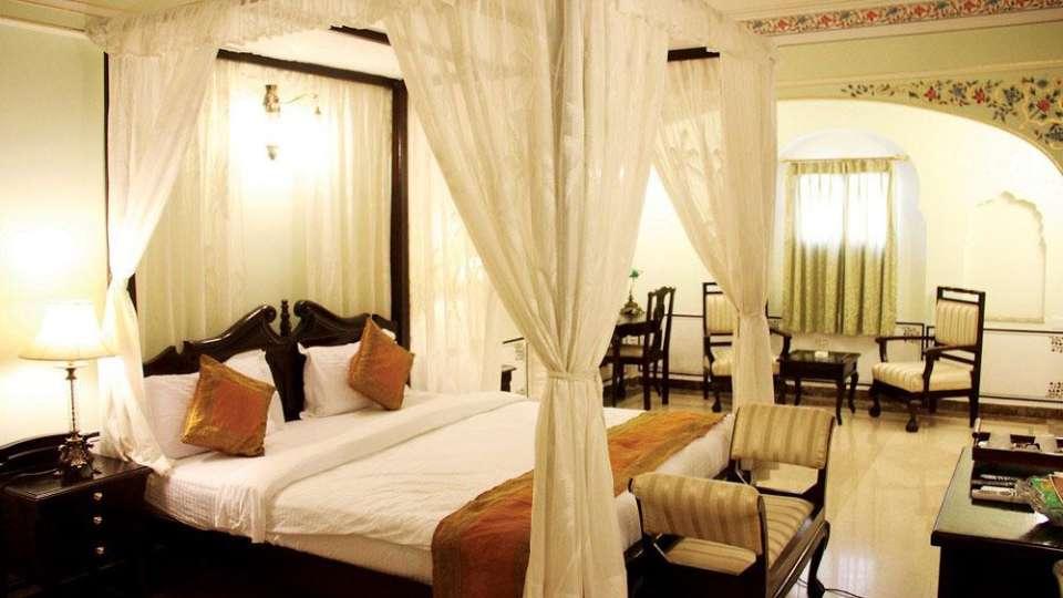 Traditional Heritage Haveli Hotel, Jaipur Jaipur traditional haveli hotel premium room