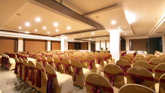 Taj Tri Star Hotel Confluence Hall 03
