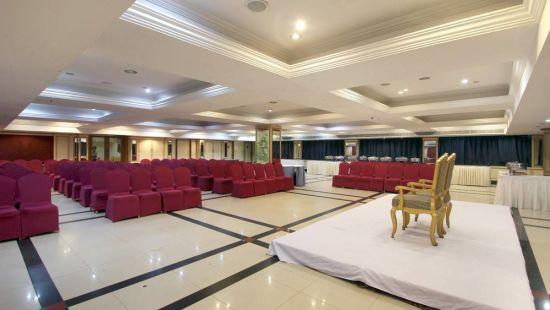 Taj Tri Star Hotel Saffron Hall 04