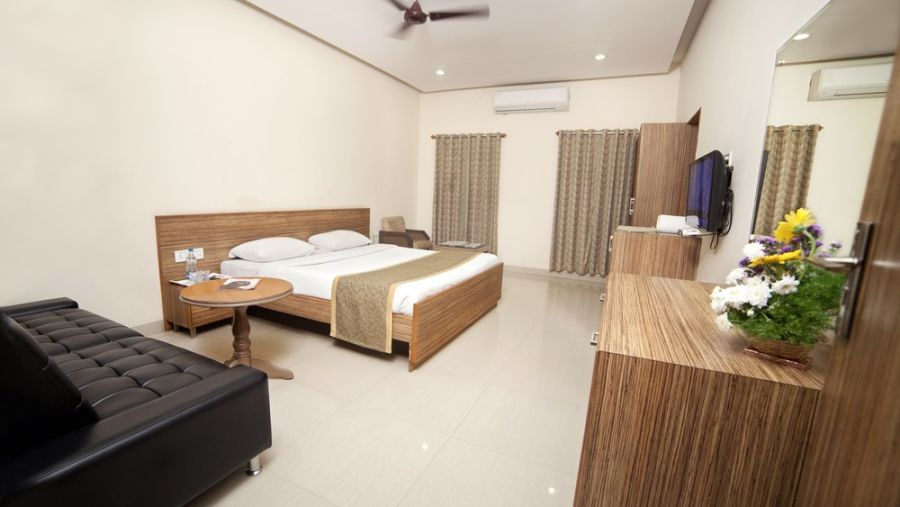 Taj Mahal Hotel Abids Hyderabad Deluxe Room 03