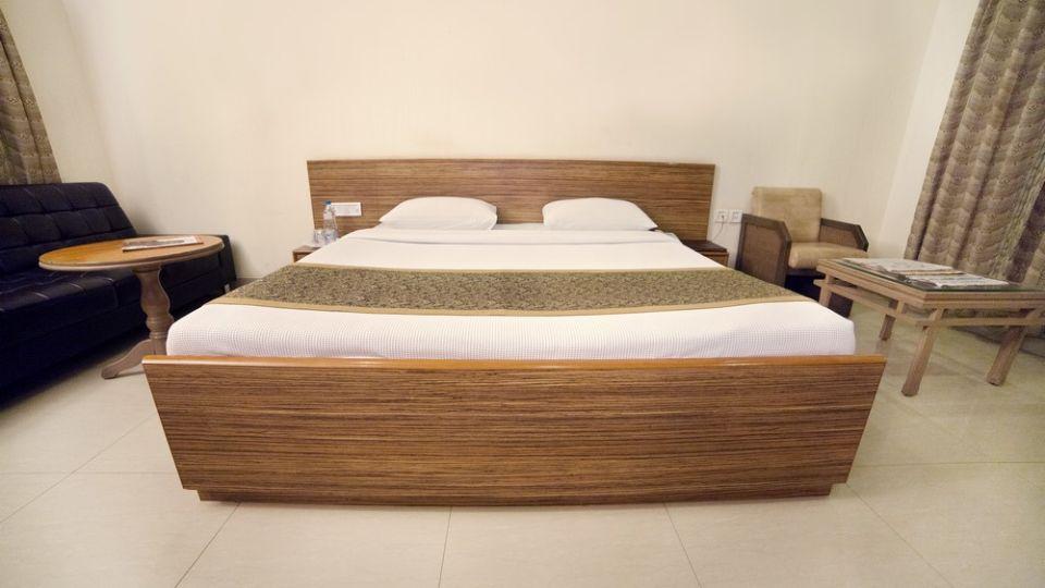 Taj Mahal Hotel Abids Hyderabad Deluxe Room 02